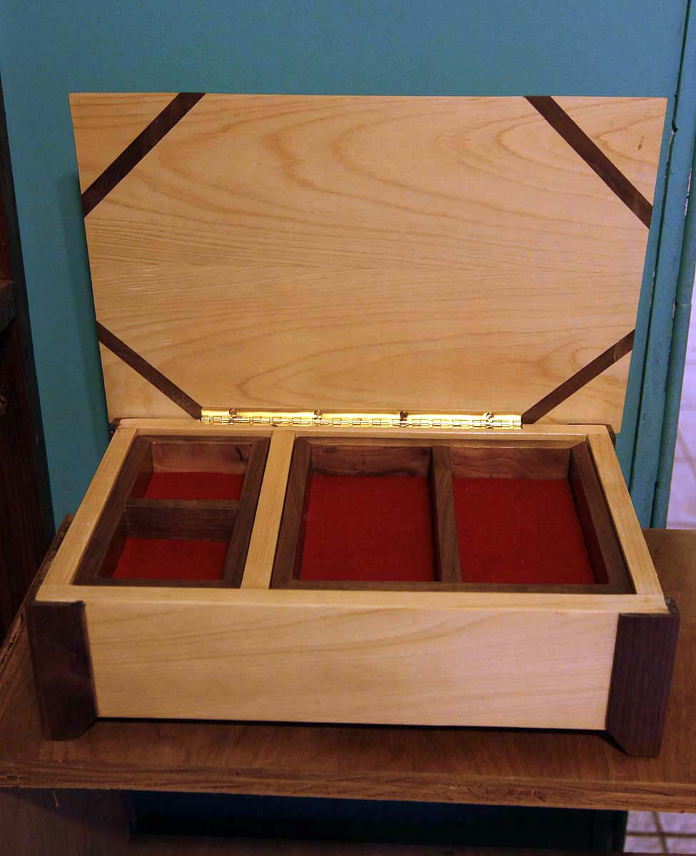 yellow cedar with black walnut jewelry box